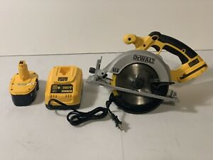 "Dewalt DC390 6 1/2"" Circular Saw 18 volt ; Tool ,Battery & Charger"