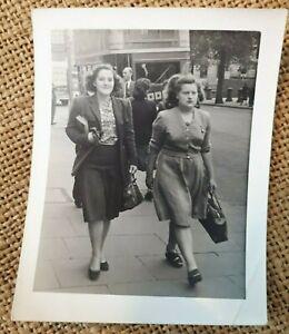 1950s B/W Photograph. Two Women in a South London Street. No.39 Bus. BARLING