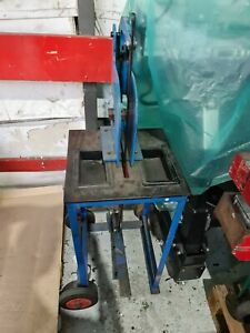 Press Machine eyelet punch banner tool heavy duty good condition ON STAND