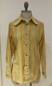 """Vintage 1970s Flower Power Yellow Shirt, Small, Size 19"""" from armpit to armpit"""