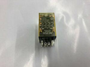 NEW IDEC RU4S-C-D24 Relay Plug-In 4PDT 6A 24VDC