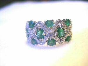 Beautiful Emerald and Natural Diamond 14K White Gold Band JT141