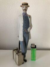 Royal Dux Figur, Mann mit Koffer