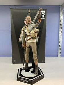 Hot Toys 1/6 Star Wars The Force Awakens Rey Resistance Outfit MMS 377