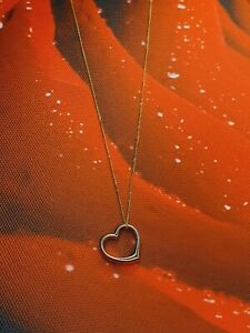 """9ct Yellow Gold Heart Pendant on 18"""" Curb Chain - New & Boxed"""