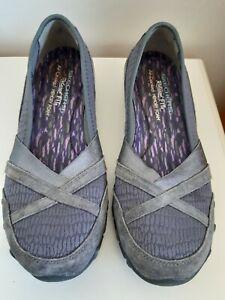 Skechers Memory Foam Relaxed Fit Pumps  Shoes Women's Size 4