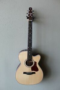 New Seagull Maritime SWS CH Cutaway QIT Acoustic/Electric Guitar with Gig Bag
