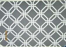 PLACE MATS..VINYL EASY CLEAN..SET OF 4..GRAY AND WHITE