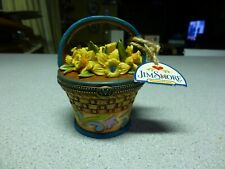 """Jim Shore Heartwood Creek March Flower Basket """"Daffodil"""", with Tag"""