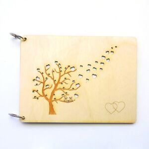 Gästebuch personalisiert Hochzeitsalbum Baum mit fliegende Herzen und 2 Eulen
