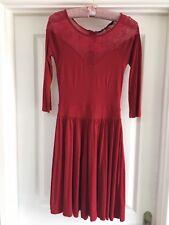 Vestido De Encaje PVP £ 60 inserte de la Llamarada French Connection UK 8-10 (UE 34-36)