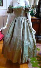 1850 Stunning Green Silk Off the Shoulders Evening Dress XXS