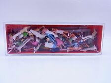 Lot 43446 | Preiser HO 25100 spectateurs groupe bouclage 40 St. 1:87 personnages neuf dans sa boîte