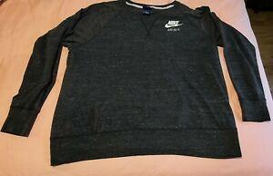 Women's Nike grey thin t-shirt sweat. Plus size 1+ fits size 16-20