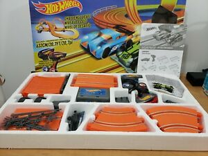 NEW - Hot Wheels Challenge Level Slot Car Track Set 20.7 ft - Ages 5 & Up