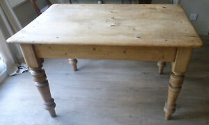 scrub top victorian pine kitchen dining table with one drawer