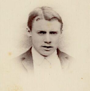 A Sager Keighley gentleman portrait CDV Cabinet photograph card antique #76