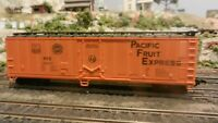 AHM Lima (Italy) HO Pacific Fruit Express 50' Mechanical Reefer, Exc.