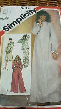 Vtg 1982 Simplicity Pattern Petite size 6-8 Sleepwear Granny Night Gown #5737