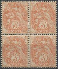 Timbres blancs avec 4 timbres