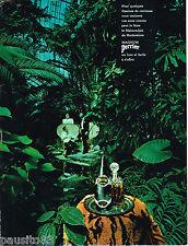 PUBLICITE ADVERTISING 055  1968  PERRIER  eau minérale photo DEWOLF
