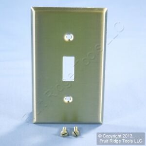 Leviton NON-MAG Stainless Steel 1-Gang Toggle Switch Cover Wall Plate 84001-40