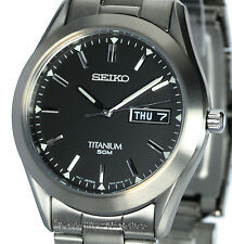 MENS SEIKO TITANIUM DAY DATE BLACK FACE QUARTZ SGG599P1