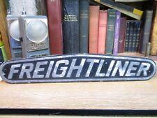 LARGE VINTAGE FREIGHTLINER TRUCK EMBLEM BADGE SCRIPT TRIM METAL 22-39676-003 002