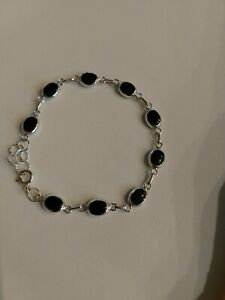 925 Sterling Silver Mother Of Pearls And Black Onyx Reversable Thai Bracelet