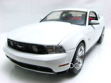 Green Light 2010 Ford Mustang GT WHITE 1/18 Diecast car