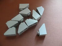 Lego 10 pieces gris clair inclinees / 10 old light grey slopes 45°  1 x 2