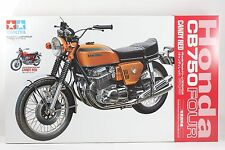 Tamiya 1/6 Scale Honda CB750 FOUR CANDY RED  with Hand book  Item No.92185