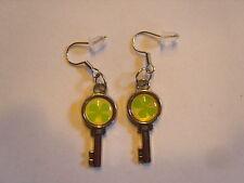 Ohrringe Schlüssel mit rundem Glücks Kleeblatt in Grün Größe ca:2,5cm Email 1395