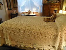 """Antique Vintage Hand Crocheted Cotton Bed Coverlet Bedspread Floweretts 72x85"""""""