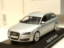Minichamps Audi A6 Avant 2004, silber - dealer model 6213 - 1/43