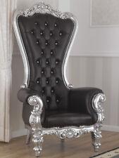 Poltrona Regina stile Barocco Moderno trono foglia argento ecopelle nera bottoni
