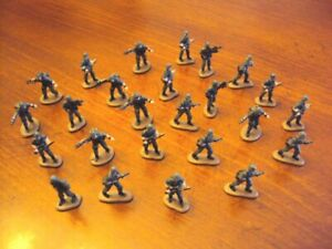 Lot of 25 Galoob Micro Machines dark GREY military figures (for Gamers?)