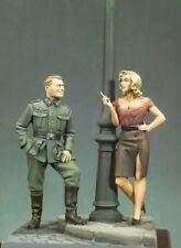 Figura de resina de escala 1/32 la segunda guerra mundial oficial alemán y Belleza Mujer