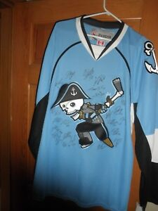 MILWAUKEE ADMIRALS TEAM SIGNED  HOCKEY JERSEY NEVER WORN REEBOK, TAGS, SIZE  XL
