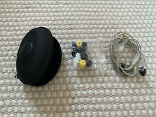 Shure SE215 In-Ear Headphones - Clear with pouch - Good Condition