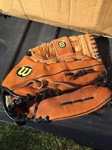 """Wilson Mens Brown Leather Softball Glove 13"""" A2504 XL RHT"""
