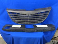 2001-2004 2002 2003 Chrysler Voyager Grille black 04857339AA W/ Radiator Cover!!