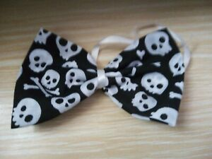 NEW HALLOWEEN DOG BOW TIE, UN-SEWN, JUST TIE TO YOUR OWN COLLAR. SIZE M, .(1)