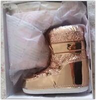Gold Soft /&Cozy Sequined Bootie with pom pom Size M