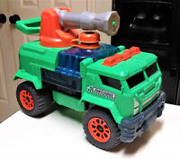 Matchbox AQUA CANNON ULTIMATE FIRE TRUCK Green Engine Squirts Water Toy 12""