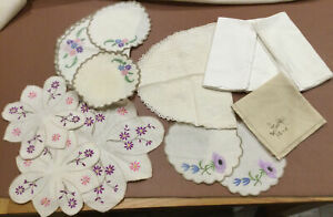 Small Lot Of  Vintage Irish Linen Napkins, Tray Cloths & Dressing Table Sets