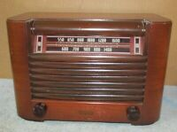 Vintage PHILCO Model PT-12 Transitone Tube Radio Wood Case J373
