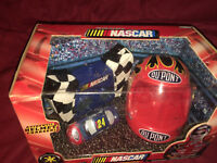 2003 NASCAR Jeff Gordon 24 1/64 Scale Radio Remote Control Car Helmet Charger+