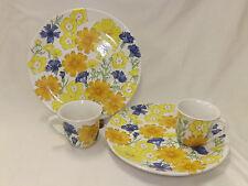 Vintage Ernestine Solerno Floral pattern 2 Dinner size snack plates with mugs It