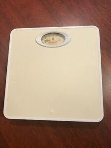 Pre-Owned White Sunbeam Dial Scale with Free Shipping